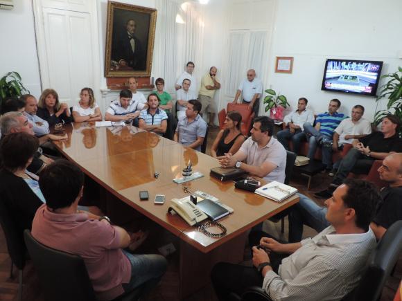 Aiola convocó a reunión extraordinaria de gabinete