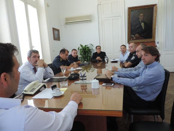 El Intendente se reunió con jefes departamentales de distintas fuerzas policiales