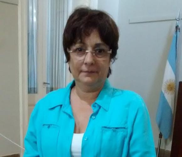 Conferencia de prensa de la tesorera del Consejo Escolar, Juana Penuto