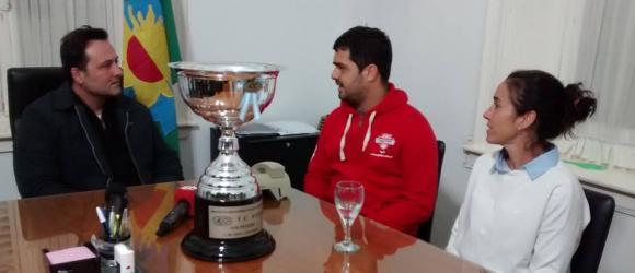 Aiola recibió a Urretavizcaya, ganador del TC Pista