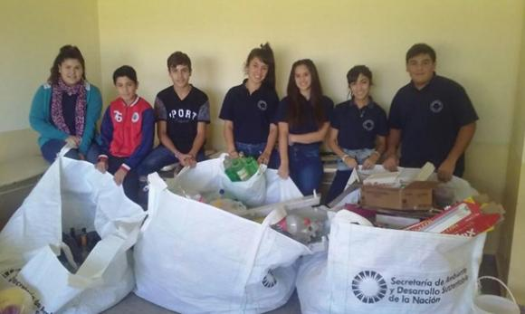 Cucha Cucha: separación de residuos sólidos urbanos en la Escuela Secundaria Nº 6