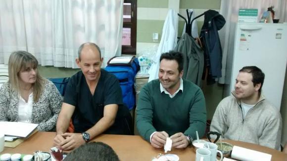 Aiola y Felice de recorrida en el Hospital Municipal