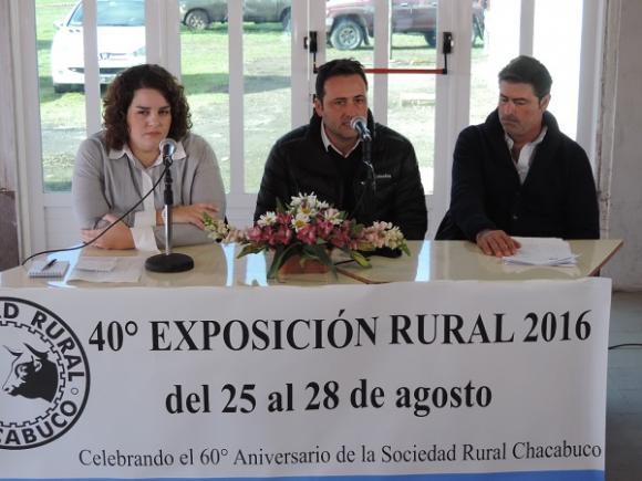 """Aiola: """"sabemos que el campo es el motor de nuestra economía"""""""