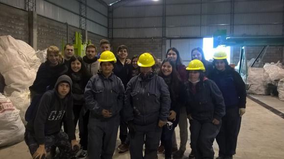 Estudiantes recorren la Planta de Tratamiento de Residuos Sólidos Urbanos
