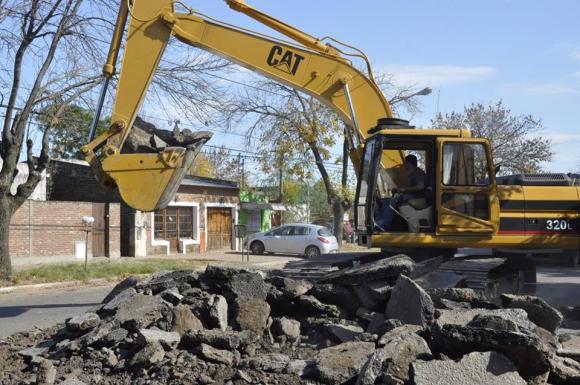 Comenzaron los trabajos de repavimentación de las avenidas Colón y Arenales