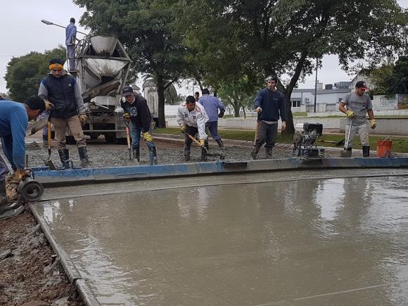Avanza la obra de repavimentación de avenidas Colón y Arenales