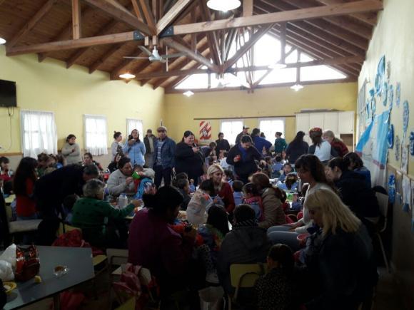 Acto en el Jardín 912 por el Día de la Maestra Jardinera