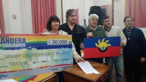 El Partido de Chacabuco ya tiene su bandera