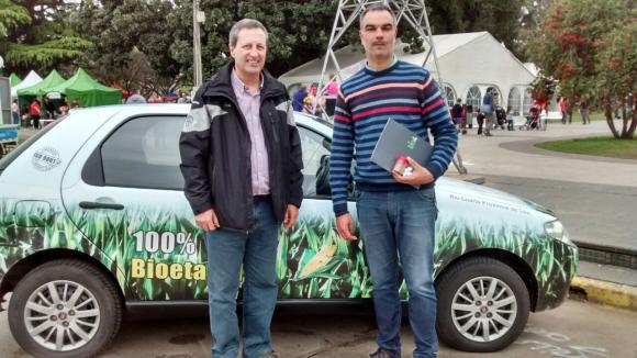 La empresa Bio4 presentó un auto a bioetanol