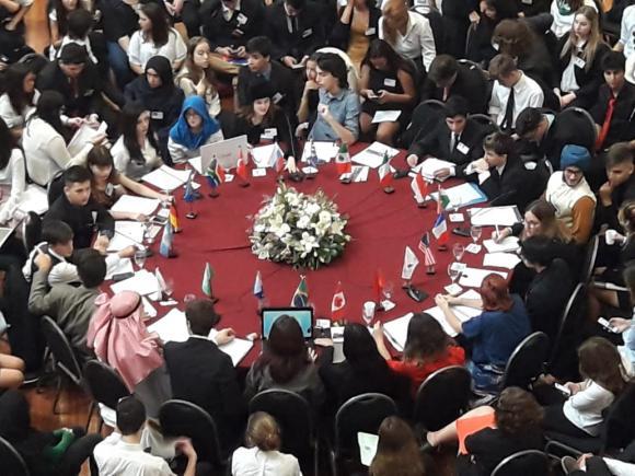 Estudiantes de Chacabuco en el G20