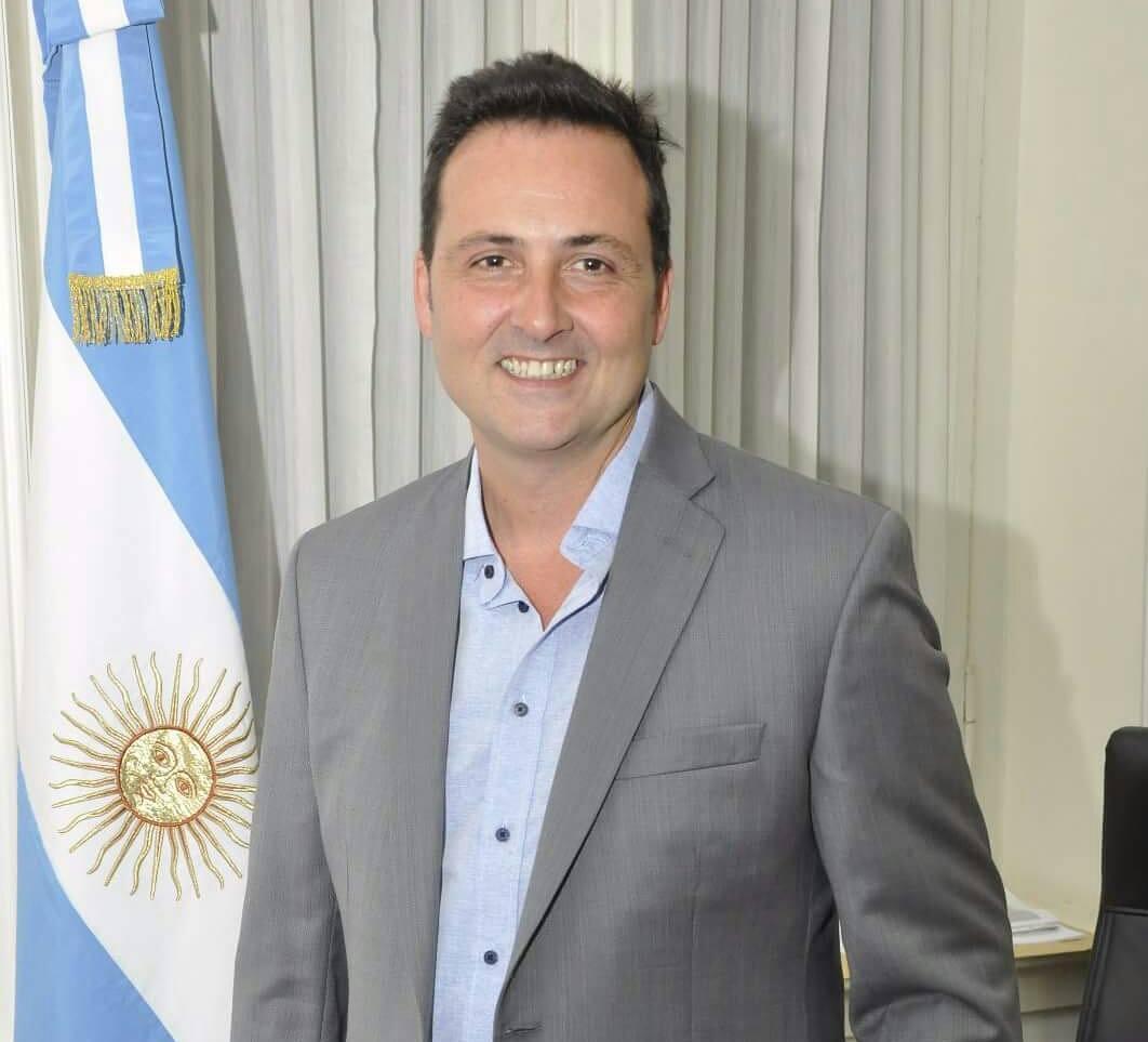 Dr. Víctor Reinaldo Aiola