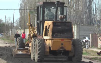 Servicios Públicos realiza tareas en simultáneo en los barrios