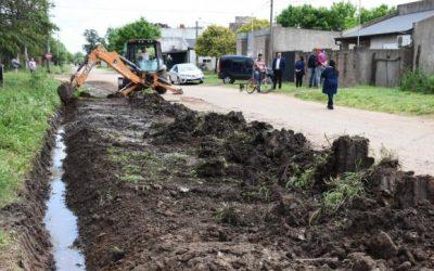 Servicios Públicos continúa con su plan integral de mejorado de calles para los barrios