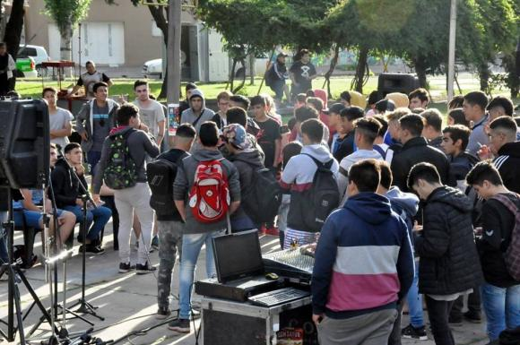 Desarrollo Social: primera Feria Joven en Chacabuco