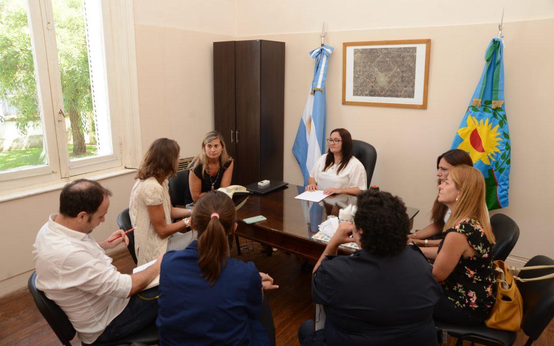 """Agustina Ayllón: """"es muy importante para nosotros visitarlos, poder conocer el trabajo que se hace""""."""