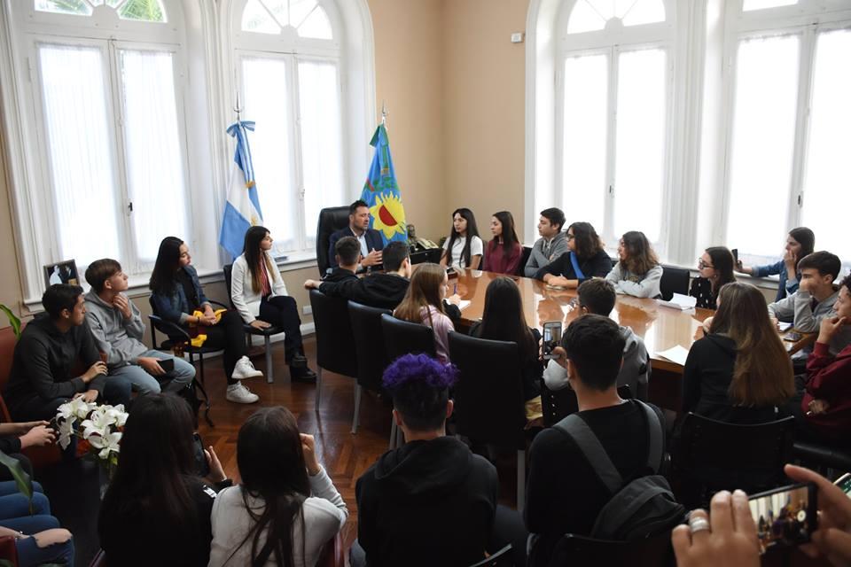 """Aiola """"El futuro de Chacabuco depende del futuro de los jóvenes"""""""