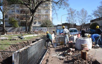 Obras Públicas: avanza la remodelación de la plaza Necochea