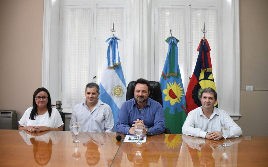 El Intendente Municipal anunció el pago de sueldos y aguinaldos
