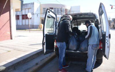 El trabajo de Desarrollo Social: entrega de bolsines y mesa local