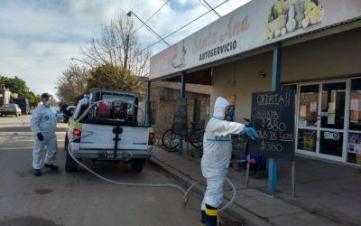 Desinfectan lugares de mayor concurrencia pública