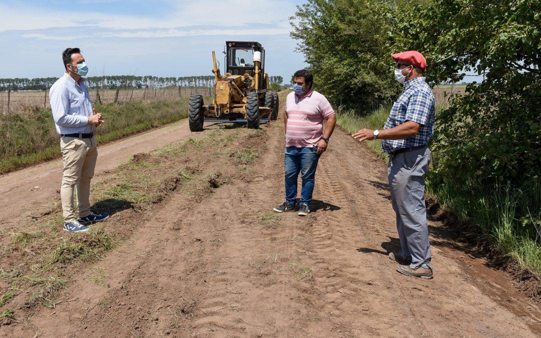 Continúa el trabajo de mantenimiento de caminos rurales