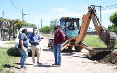 Avanza el programa municipal de cruces de calles para escurrimiento de agua