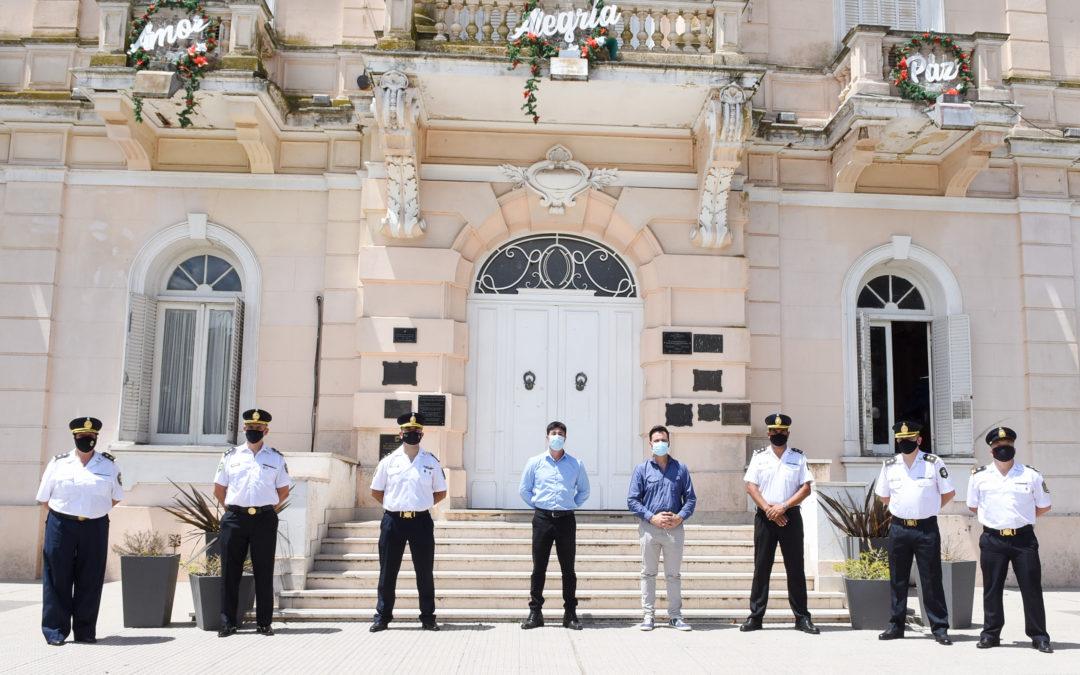 Entrega de medallas a jefes policiales por su destacada labor durante 2020