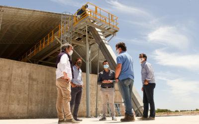 Recorrida por la construcción de la planta Eduardo Beraza SA que se instala en Chacabuco