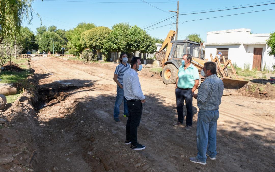 El Intendente Municipal recorrió obra de cordón cuneta