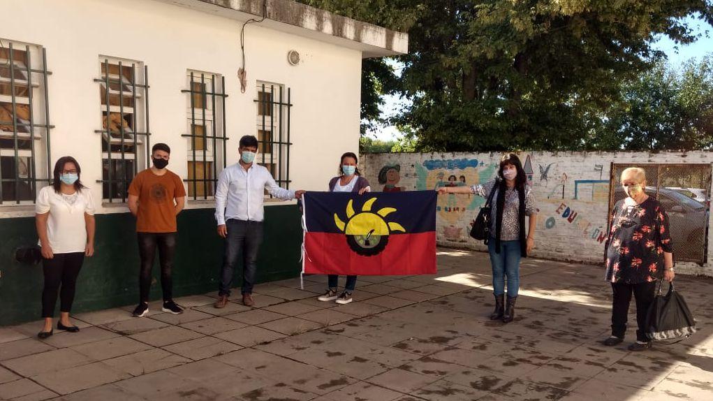 Una bandera para mi Escuela llegó a la EP Nº7