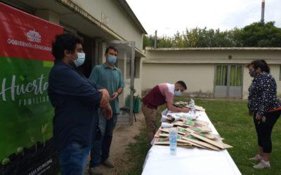 Continúa la entrega de semillas del programa Huertas Familiares