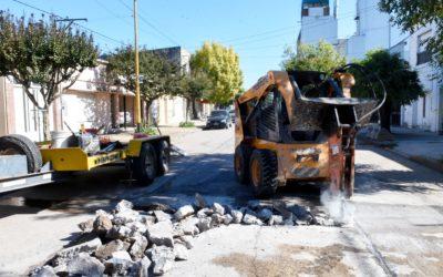 Obras Públicas: continúa el plan municipal de bacheo