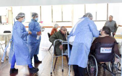 Comenzó la campaña de vacunación antigripal en los hogares geriátricos