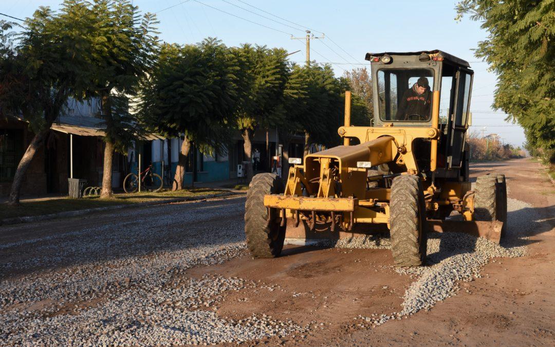 Castilla: ya comenzó el plan municipal de mejorado y empedrado de calles
