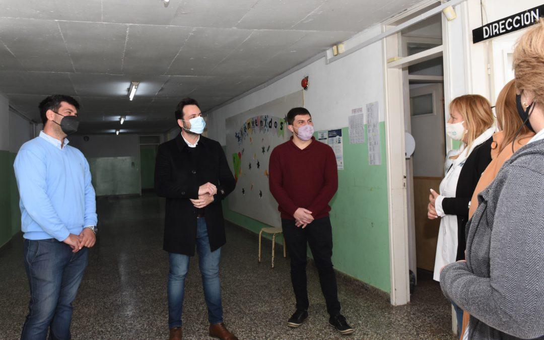 Vuelta a clases presenciales: el Intendente Municipal visitó la Escuela 22