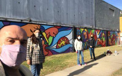 Continúa la restauración del mural de la plazoleta de la estación de colectivos