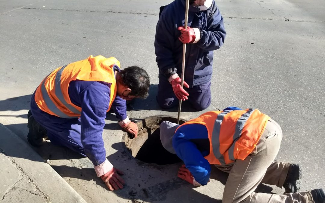 Obras Sanitarias: limpieza y mantenimiento de red cloacal